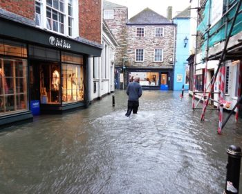fowey-flooded-streets